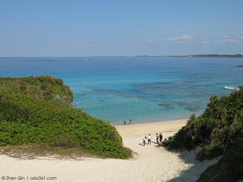 Approaching Sunayama Beach
