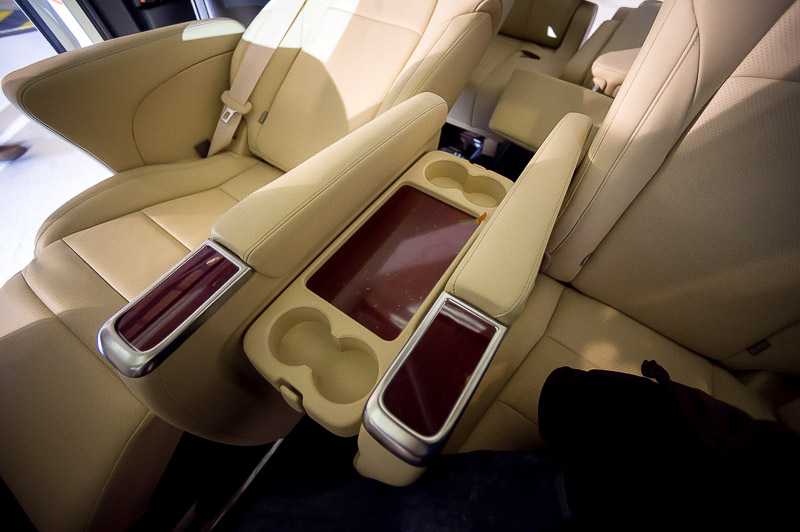 Cup holders? Checked! Lux Ottoman leather seats? Checked!