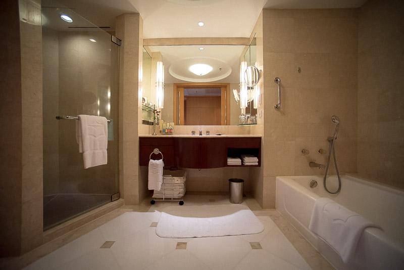 A very spacious bathroom.(Photo: Gel ST)