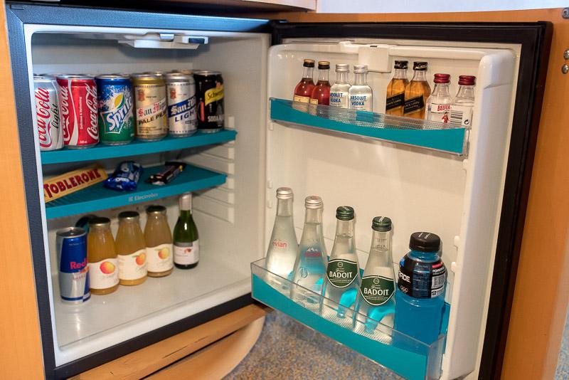 Well-stocked mini-bar.(Photo: Gel ST)