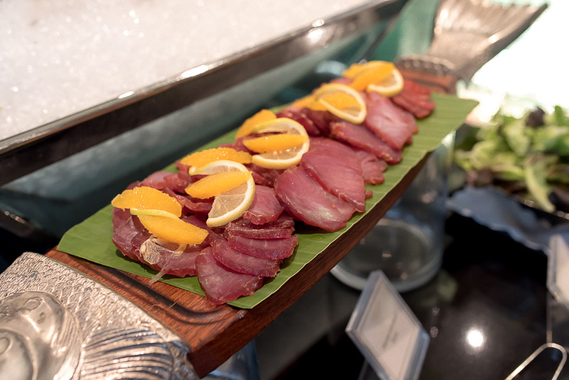 Seasonal selection of sashimi, available during Evening Cocktails. (Photo: Gel ST)