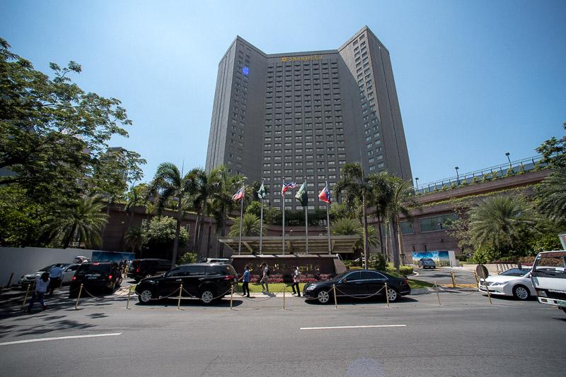 Front view of Makati Shangri-La, Manila. (Photo: Gel ST)