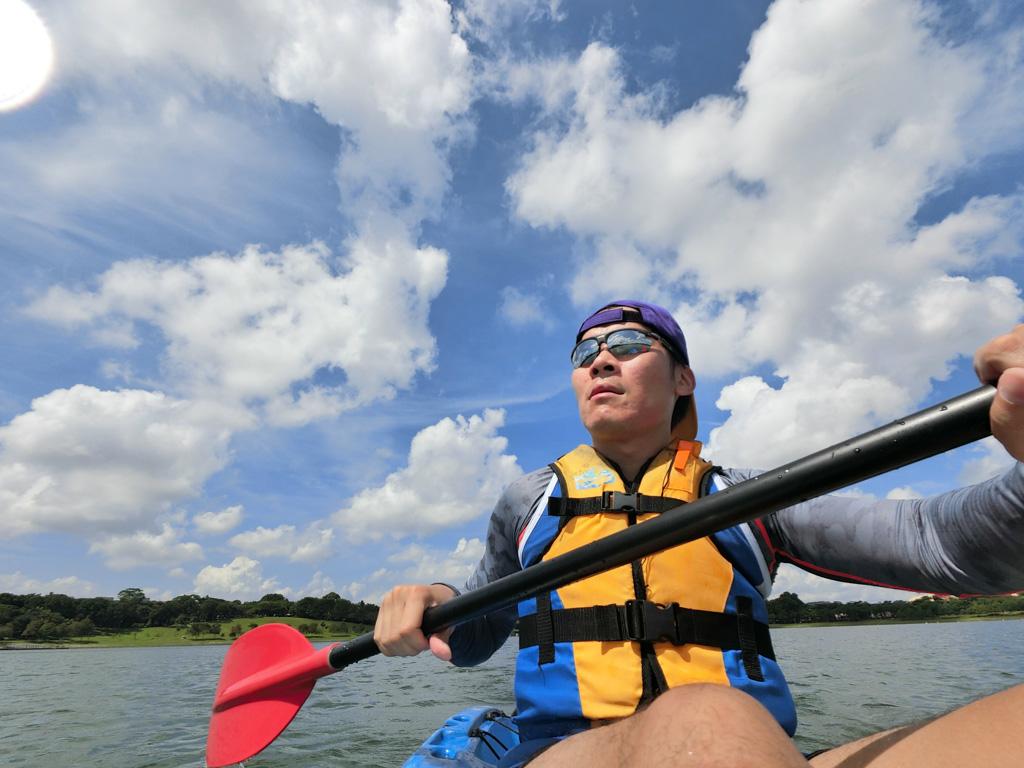 Kayaking in Bedok Reservoir, Singapore. Photo © Justin Teo.