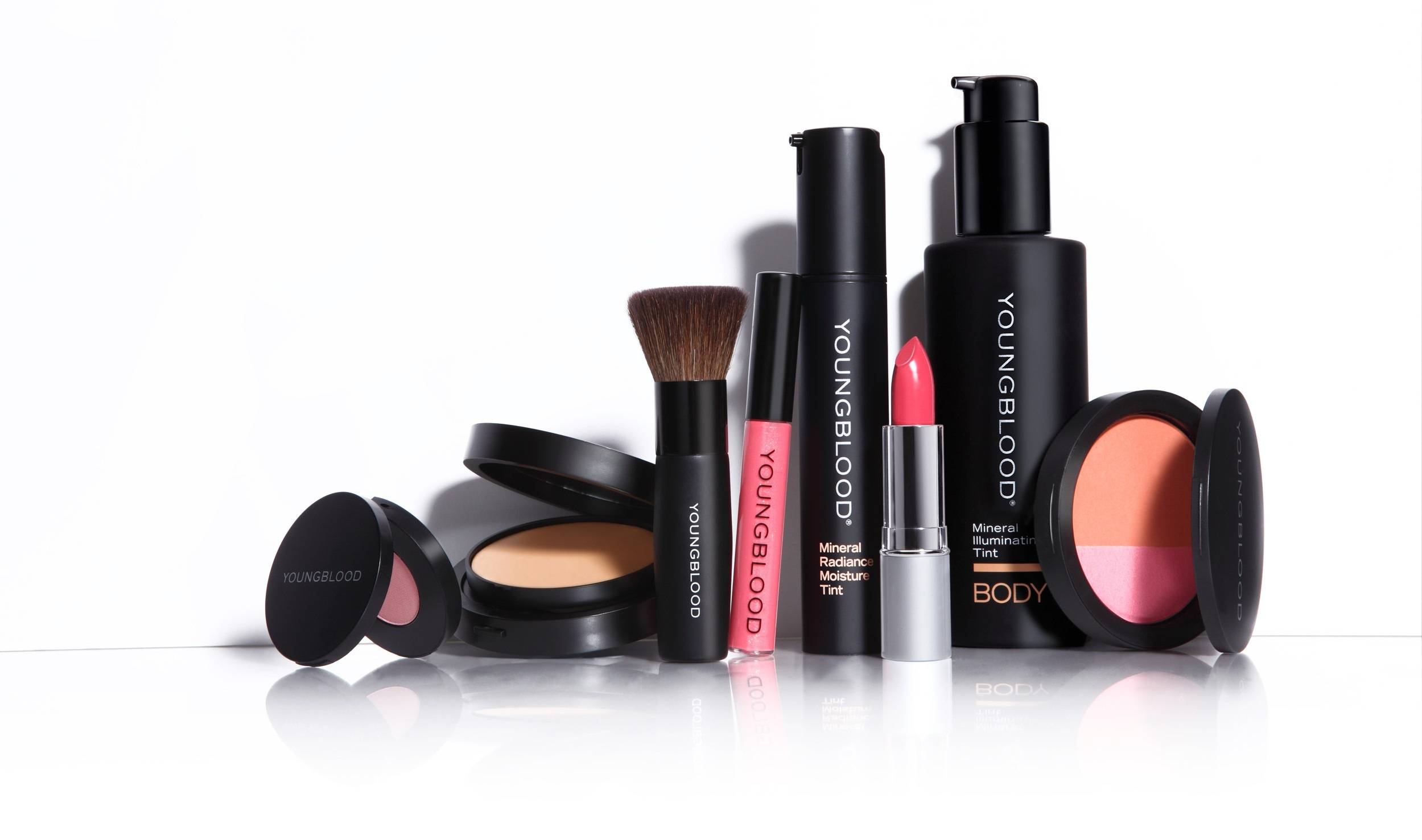 The vegan make up cosmetics celebrities like jessica alba for What is cosmetics made of