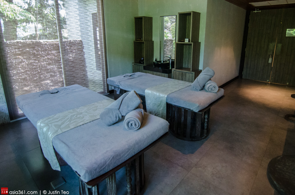 Couple's room at the Carissa Spa, Wyndham Sea Pearl.