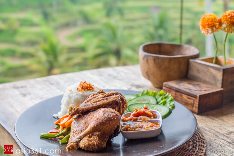 Bebek tepi sawah (traditional deep fried duck)