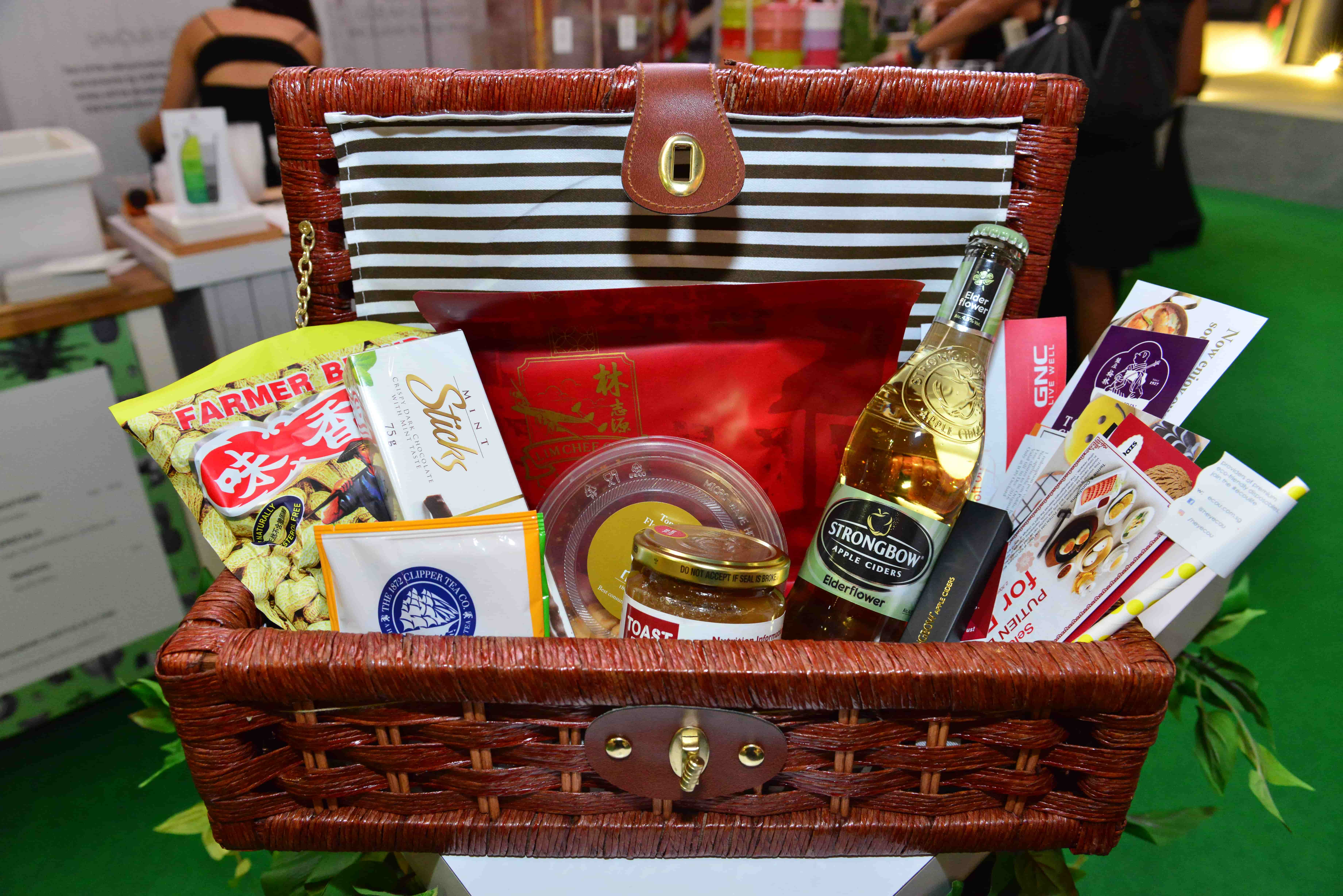 Indoor Picknick enjoy an indoor picnic at ion orchard culinary creations 2016 361