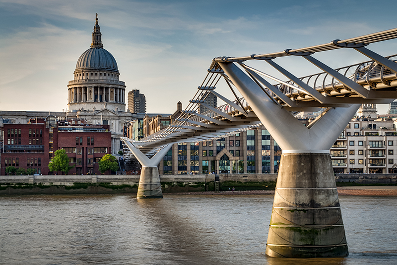 The Millennium Bridge. Photo © Victor Moussa | Shutterstock