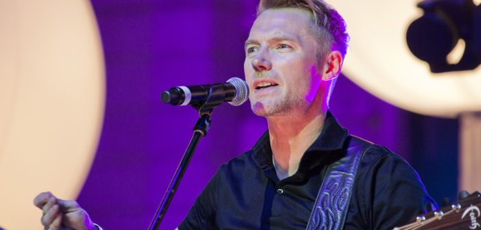 Hot Favourite Ronan Keating Returns with Favourites