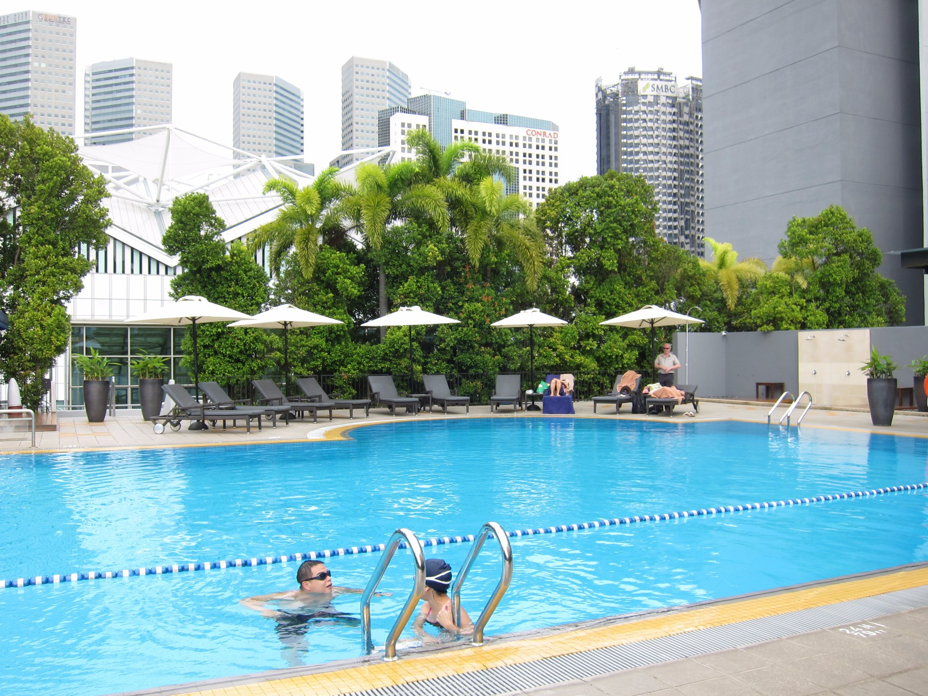 18 marina mandarin pool 2 asia 361 - Marina mandarin singapore swimming pool ...